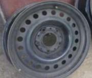 Обменяю б/у стальной диск на BMW R15W6, 5 на R15W6, 0 или продам за 300