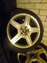 Диски мерседес AMG 221 8, 5J *19H2 ET43 с летней резиной Dunlop 255/40